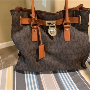 Micheal Kors Top Handle tote/ Purse